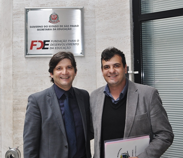 Andre do Prado e pref Adriano de Santa Branca na FDE