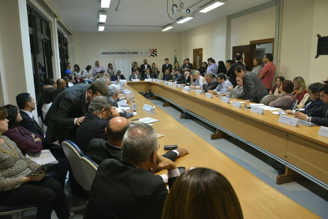 Reunião do Condemat com o secretário de Saúde, Davi Uip