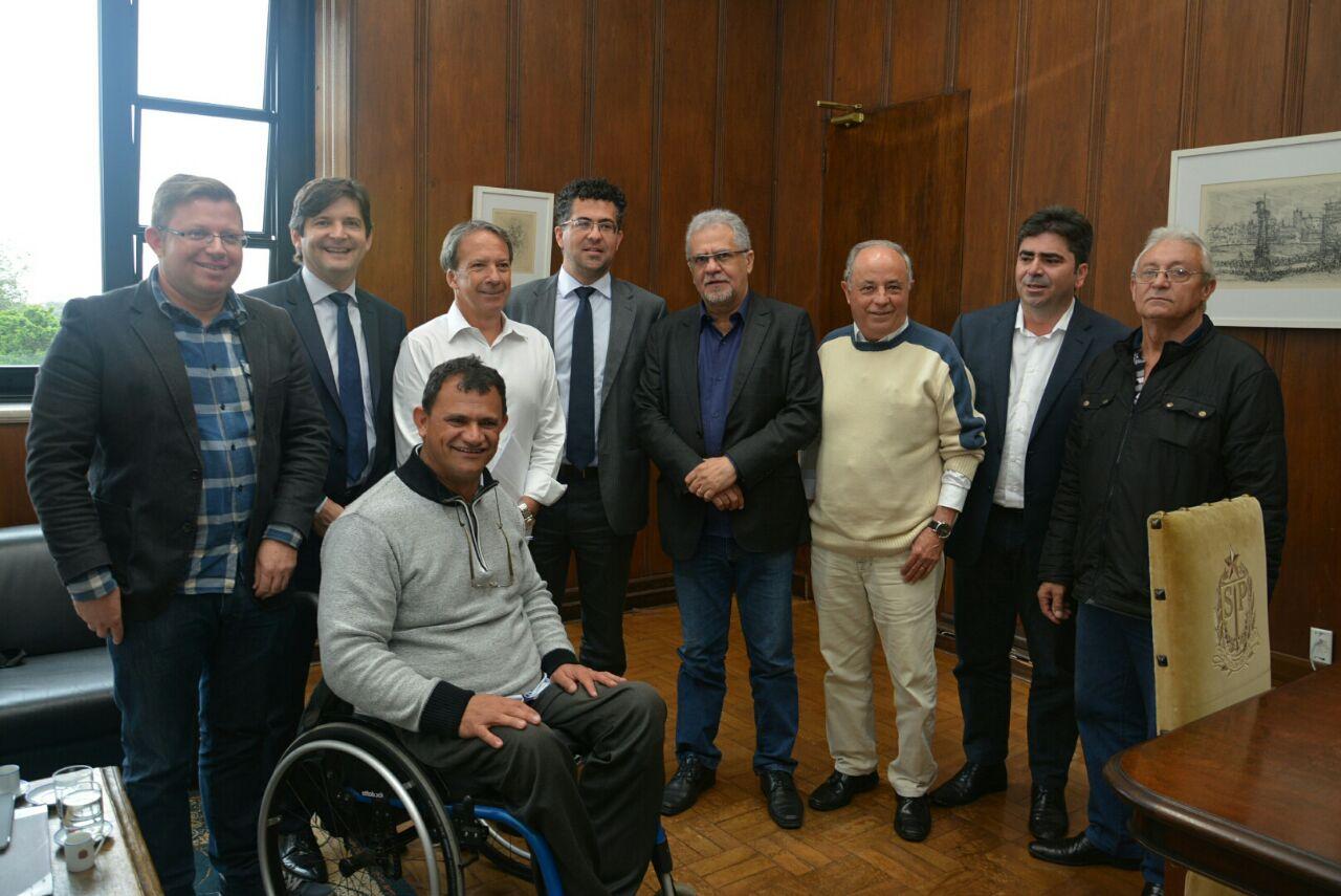 A reunião na Casa Civil contou com a participação dos prefeitos Abel Larini (Arujá) e Sebastião Almeida (Guarulho)