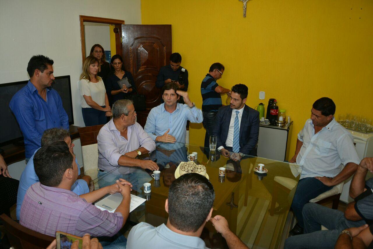 Deputados André do Prado e Marcio Alvino em visita a Cachoeira Paulista