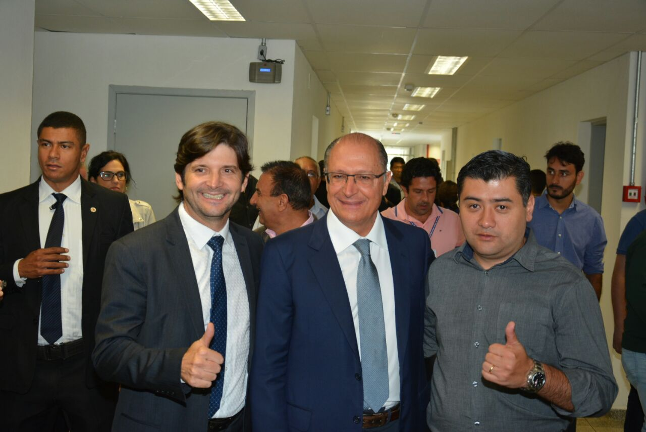 Deputado André do Prado com o prefeito de Suzano e o governador Geraldo Alckmin