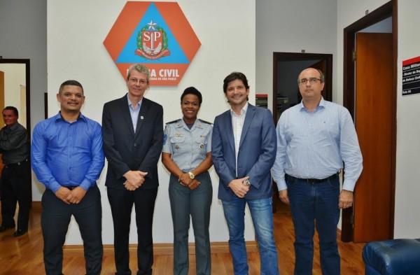 Comitiva de Jandira composta pelo prefeito Paulo Baruffi, o vereador Veinho, e o secretário Fernando, o deputado André do Prado com a coronel Helena