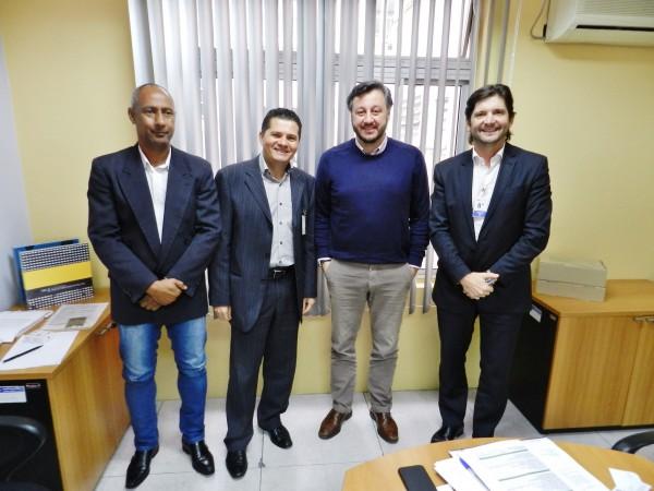 Vereador Paulinho, prefeito Izaias, deputado André do Prado e o presidente do FDE, João Cury Neto