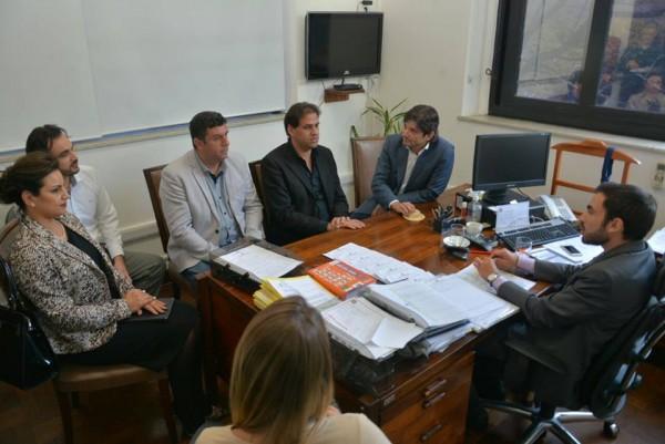Deputado André do Prado com o prefeito Gian Lopes e o vice-prefeito, Marquinhos Indaiá, com o subsecretário Murilo Macedo