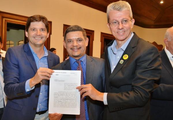 Deputado André do Prado, vereador Veinho, e o prefeito Paulo Baruffi