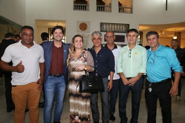 Deputado André do Prado com autoridades de Eldorado