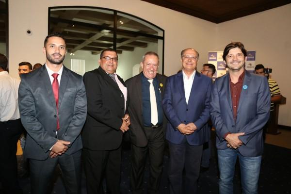 Deputado André do Prado com o governador Geraldo Alckmin, com o prefeito Dinamérico e do vereador Baiano da Saúde