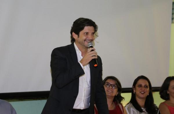Deputado André do Prado discursa em polo inaugurado da Univesp