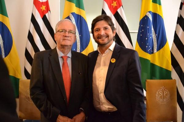 Deputado André do Prado e secretário de Saúde, Marco Antonio Zago, após cerimônia de posse.