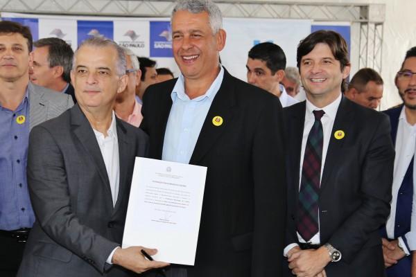 Intermediado pelo deputado André do Prado, O município de Cunha assina convênio de R$ 600 mil, para obras de infraestrutura na cidade
