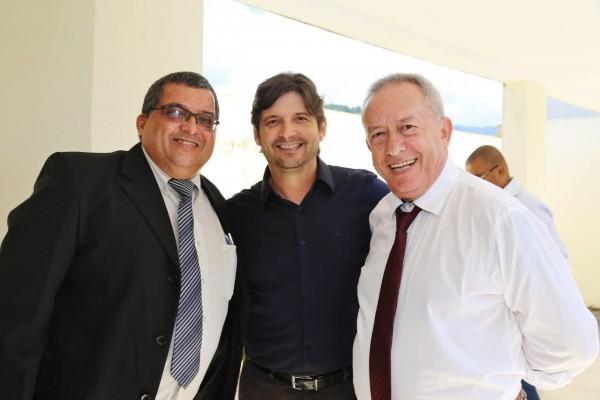 Vereador Baiano da Saúde e prefeito Dinamerico Peroni, que participaram da indicação de Itariri como MIT