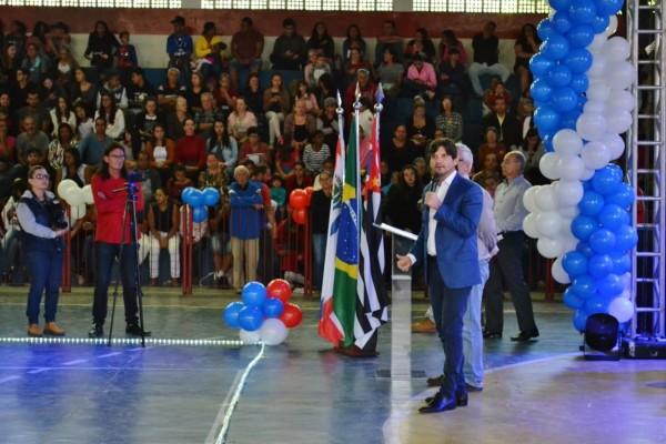 O deputado André do Prado prestigiou as comemorações do aniversário de Santa Branca