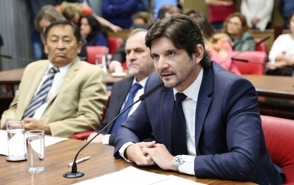 O Governo do Estado fará, também, a reforma da ala de pediatria da unidade