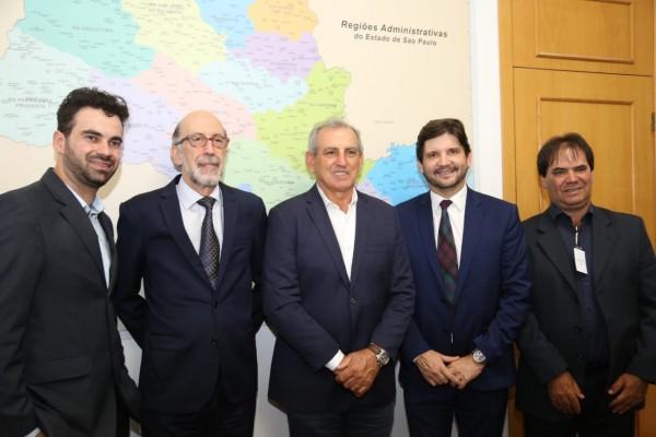 Deputado André do Prado e o prefeito Ayres solicitam ao Governo do Estado investimentos em infraestrutura para Juquitiba