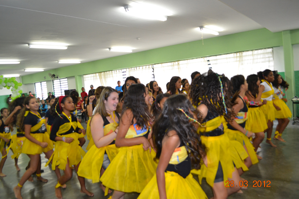 Apresentação de dança das alunas