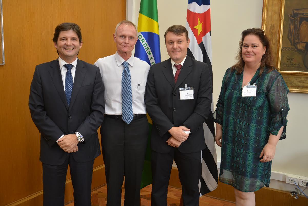 O parlamentar paulista aproveitou a oportunidade para convidar o secretário da Educação para conhecer e visitar Guararema em breve