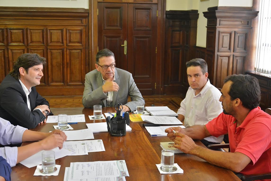 André do Prado reforça o pedido feito pelos representantes de Itaoca