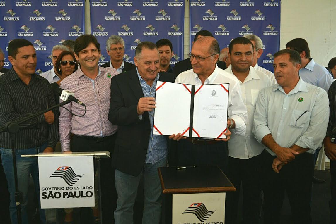 O deputado estadual André do Prado, líder do Partido da República na Assembleia Legislativa, acompanhou a visita e fez questão de agradecer aos investimentos realizados na cidade