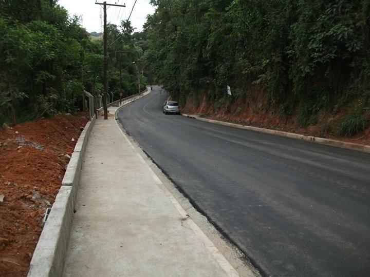 Estrada Ramiro Catho em Santa Isabel - obra pronta 8-5-15 (3)