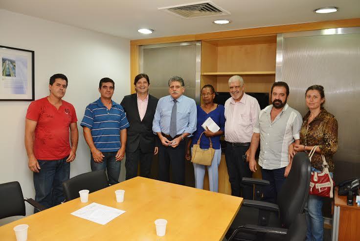 Reunião recente do deputado André do Prado com o prefeito de Salesópolis, Benedito Rafael da Silva com os moradores da região