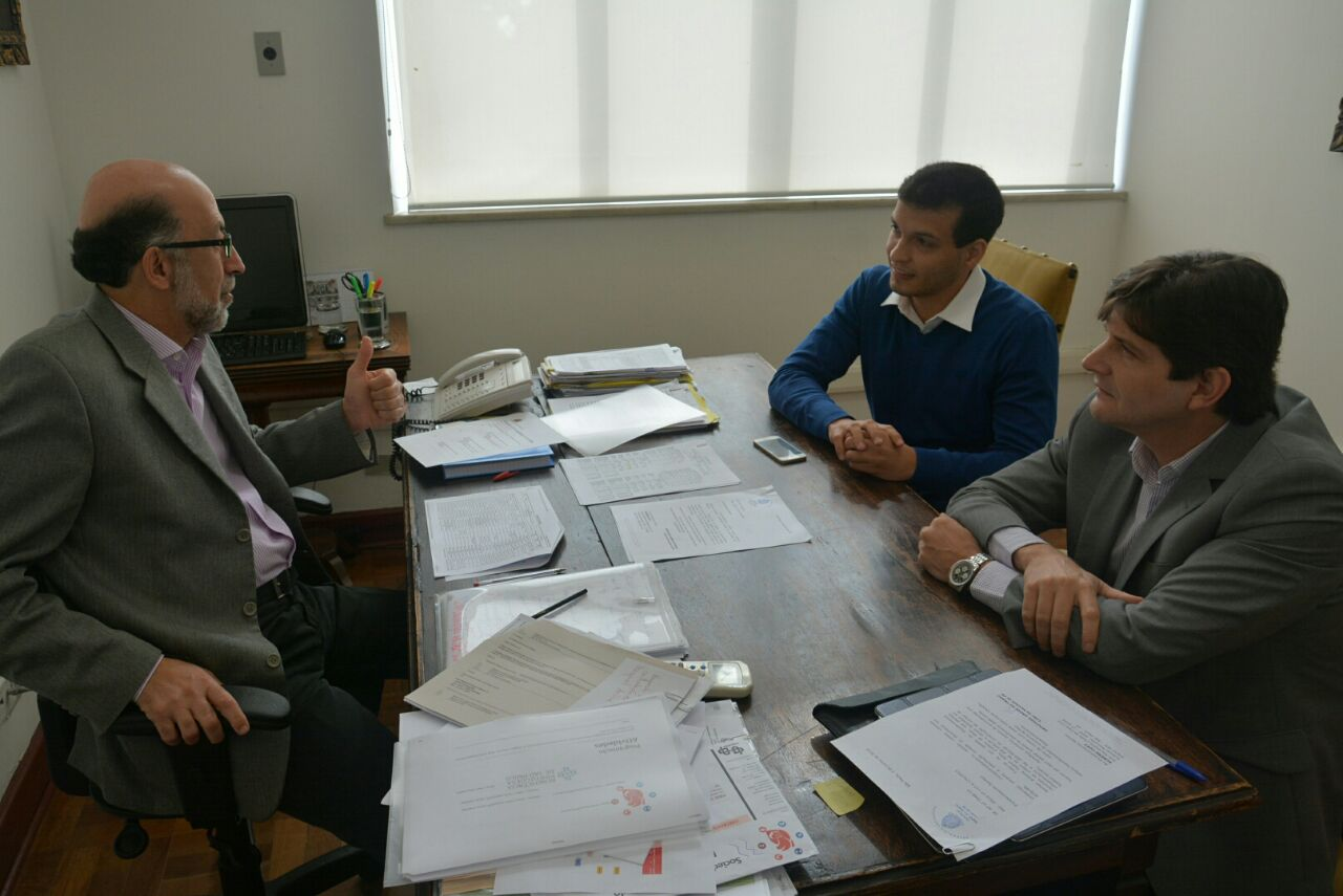 Deputado André com o prefeito Antonio Padron e o subscretário da Casa Civil, Rubens Cury
