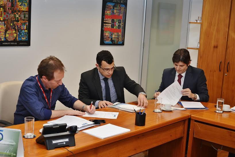 Deputado André do Prado em reunião com o superintendente do Dnit e o representante da CPTM