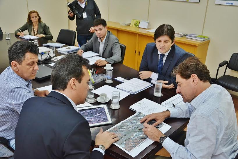 Deputado juntamente com o prefeito Denis e o amigo e companheiro partidário Kadu Garçom