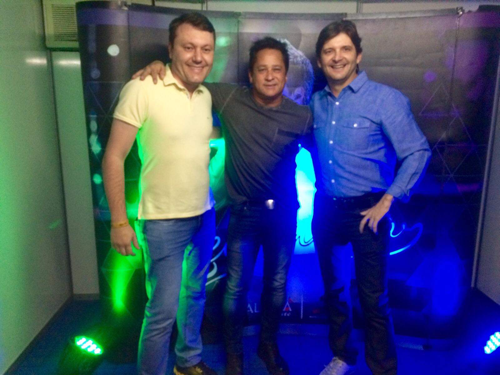 Deputado André com o cantor Leonardo e o prefeito de Guararema, Adriano Leite