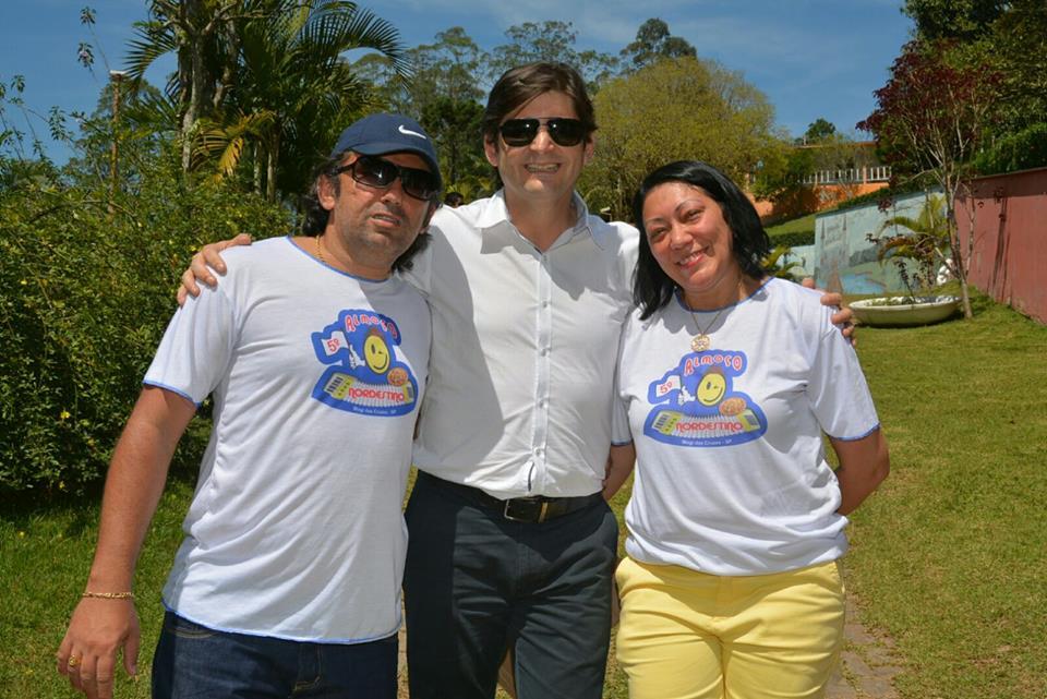O casal Sane Rose e Farofa Macedo são os organizadores desse evento