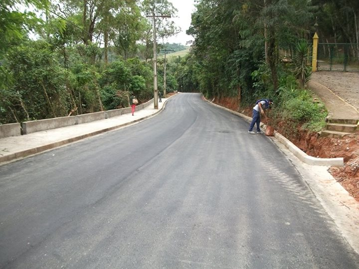 Estrada Ramiro Catho em Santa Isabel - obra pronta 8-5-15 (1)