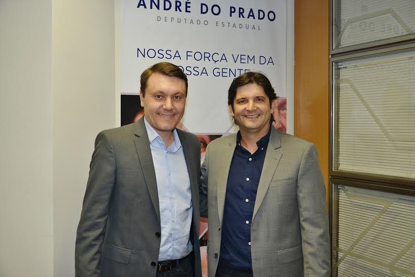 Deputado André do Prado com o prefeito Adriano Leite