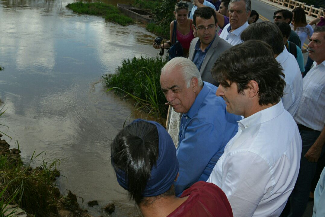 Visita ao canteiro de obras na BR-459, acompanhando o ministro dos Transportes, Antonio Carlos Rodrigues.