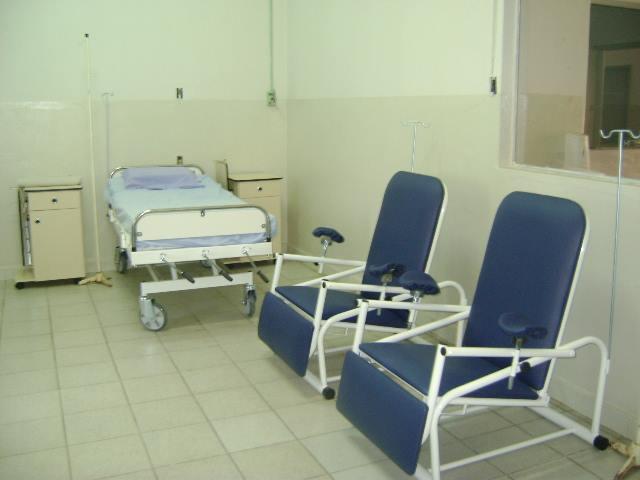Macas e cadeiras de soroterapia