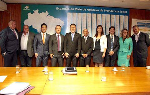 Deputados André do Prado e Márcio Alvino com o prefeito e vereadores com Carlos Gabas, no Ministério da Previdência Social