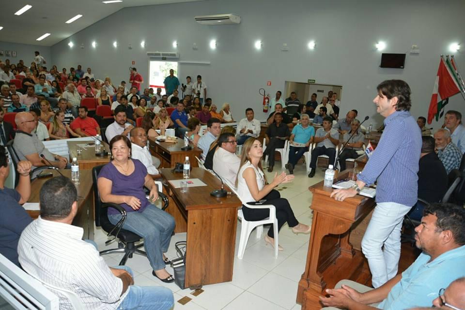 Deputado André do Prado discursa durante evento em Miracatu