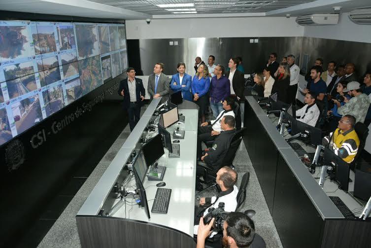 Entre do Centro de Segurança Integrada em Guararema.
