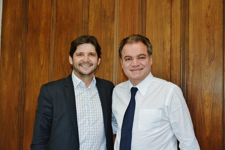 Deputado André e o secretário-chefe da Casa Civil, Samuel Moreira