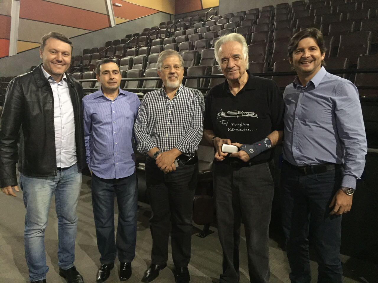 A visita do maestro teve como objetivo estudar a implantação da primeira Orquestra Baquiana de Guararema, uma iniciativa sugerida pelo deputado André do Prado há algum tempo