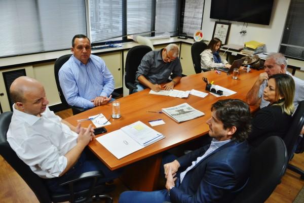 Reunião com o secretário de Turismo, TLaércio Benko, o vice-prefeito Wagner Costa, junto com o deputado André do Prado