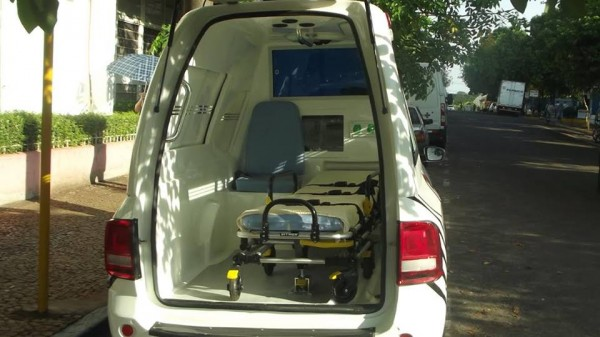 Parte interna da ambulância