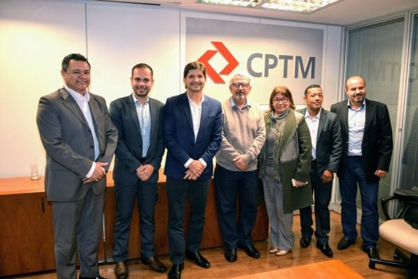 Deputado André do Prado com os vereadores de Itaquaquecetuba na CPTM