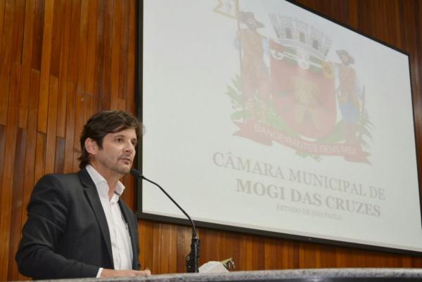 Deputado André do Prado destaca as necessidades da região durante a audiência pública do orçamento, em Mogi das Cruzes
