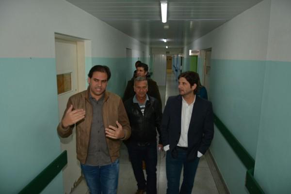 Deputado André do Prado visitou e pode conhecer as alas do hospital