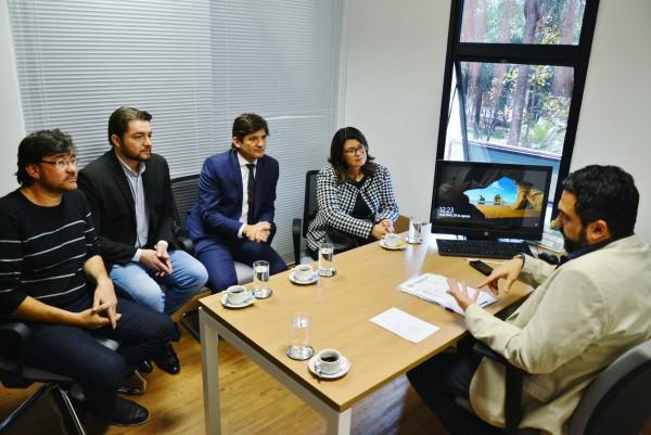 Deputado André do Prado com a prefeita Fábia Porto e os vereadores: Clebão do Posto e Luizão Arquiteto durante a reunião com o Ricardo Bocalon