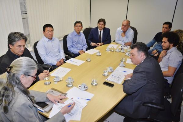 Reunião com o secretário-executivo do Fumefi, Widerson Anzellotti, com o prefeito de Itaquaquecetuba, Mamoru Nakashima