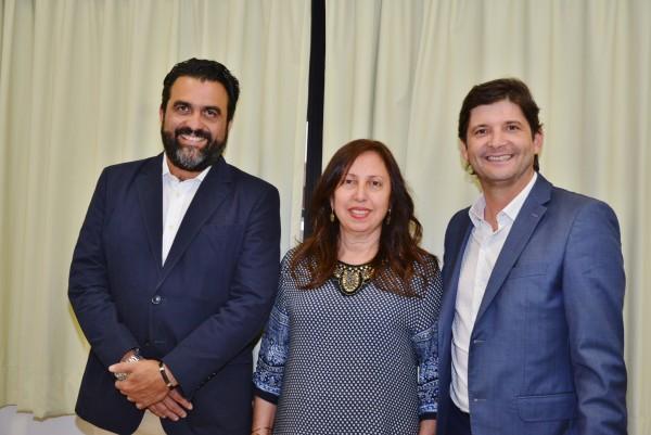Reunião com o diretor da Univesp, Ricardo Bocalon, a vereador de Arujá, Ana Poli, e o deputado André do Prado