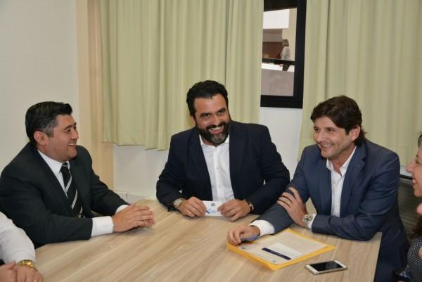 Reunião com o diretor da Univesp, Ricardo Bocalon,  com o deputado André do Prado e o prefeito Rodrigo Ashiuchi