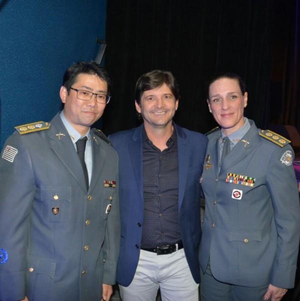 Deputado André com a coronel Monica, comandante do CPA/M12 e o tenente coronel, Ary,