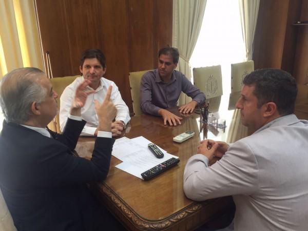 Reunião com o vice-governador Marcio França, o deputado André do Prado, com o prefeito de Poá, Gian Lopes, e o vice-prefeito, Marquinhos Indaiá