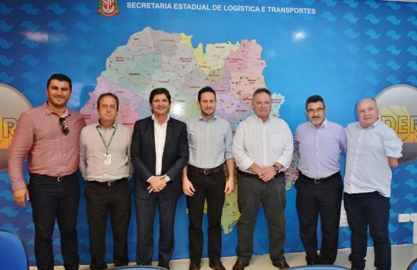 Deputado André do Prado com o superintendente do DER e os prefeitos de Caieiras e Franco da Rocha
